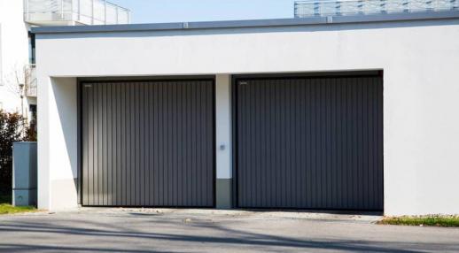 Deux portes de garage